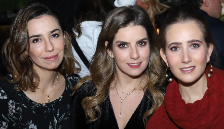 Itziar Curiel, Begoña Muriel y Lucía Martín Alba.