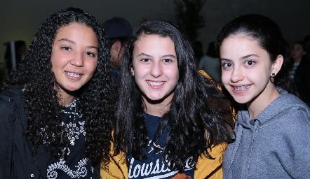 Ale Martínez, Isa Sánchez y Sofía Olivares.
