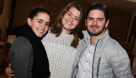Irene Abud, Isa Valle y Ricardo Abud.