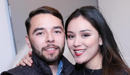 Hugo Gloria y Valeria Sustaita.