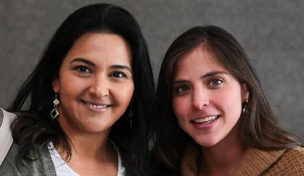 Lupita Escobar y María José Torrescano.