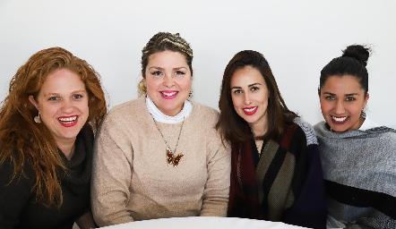 Elisa Vilet, Karla Vilet, Ale Ortega y Carla Salinas.