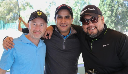 Toño Winder, Pedro Hernández y Ernesto.