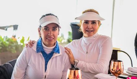 Fabiola González y Vianey Lara.