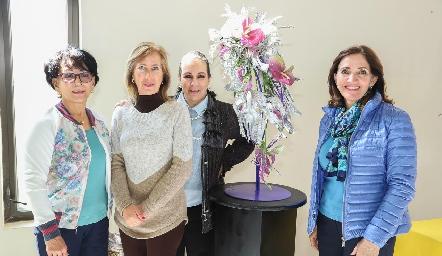 Aida Martínez, Carmen Villasuso, Lila de Zamanillo y Mónica Alcalde.