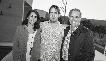 Raquel Altamirano, Andrés y Jesús Aguirre.