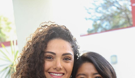 Paola Zepeda y Ana Meche Cifuentes.