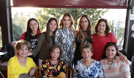 Susana con su familia.