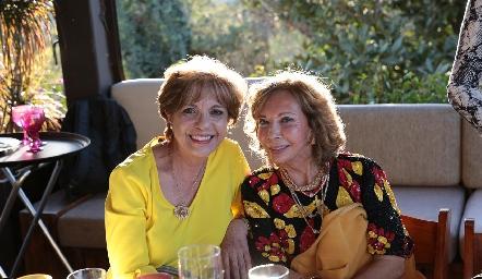 Coco Ortega y Carmela Alonso de Pérez.