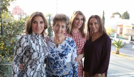 Susana, Chuyina, Verónica y Lorena Herrera.