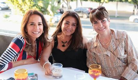 Claudia de Ávila, Pilar Fonseca y Gabriela López.