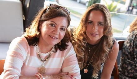 Mary Carmen López y Synthia de Ciuffardi.