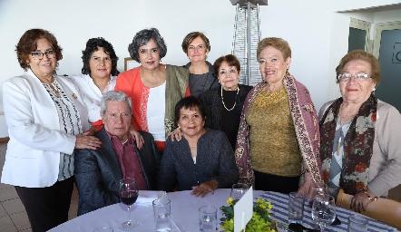 Ricardo con su familia.