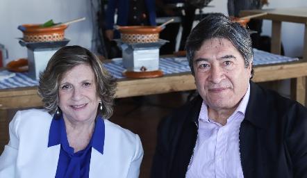 Mireya Silva y Rubén Castillo.