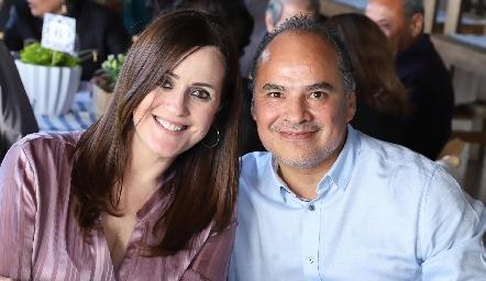 Gaby Hernández y Sergio Rivera.