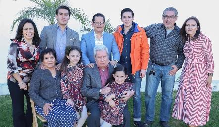 Lupita Quibrera, Juan Pablo Echavarría, Sergio Quibrera, Mariano Echavarría, Juan Pablo Echavarría, María José Abaroa, Juanita, María Pía, Ricardo y Mayte Quibrera .