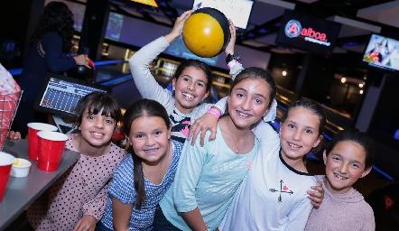 Sofía Anguiano, Dany Lomas, Isa Algara, Isa Reyes, Vanessa Elizondo y Dany Gutiérrez.