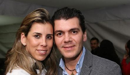 Sara Guzmán y Diego Vivanco se comprometieron.