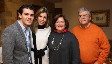 Diego Vivanco, Sara Guzmán, Chita Gómez y Fernando Vivanco.