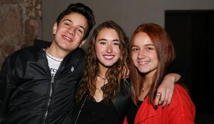 José Ra Gómez, Sofía Vallejo y Nuria Naranjo.