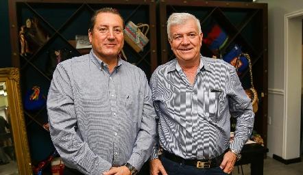 Rafael Olvera y Armando de la Parra.