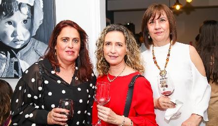 Martha Huerta, Lucía Martínez y Tere Barrera.