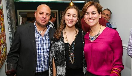 Edgardo Aguilera, Paola Aguilera y Nora Guel.