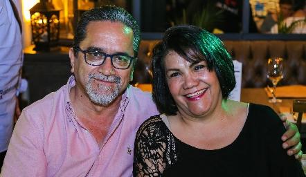Erasmo Pérez y Bertha Alicia.