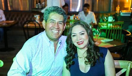 Rafael Espinoza y Sofía Mendoza.