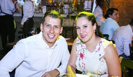 Emmanuel Marín y Fernanda.