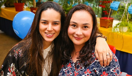 Sandra Villalobos y Pilar Anaya.
