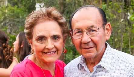 Toyita Villalobos y Rafael Villalobos.