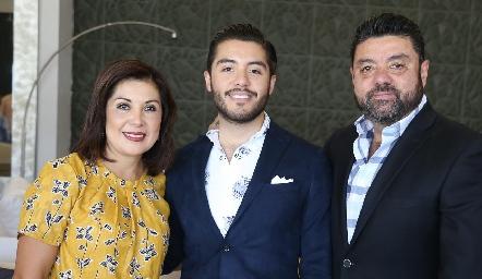 Marisol Reyna, Alejandro Pérez y Alejandro Pérez.