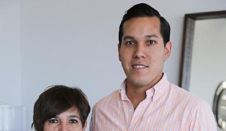 Verónica Martínez y Carlos Moguel.