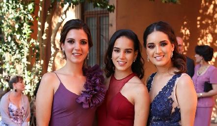 Mimí Navarro, Sandra Villalobos y Clarisa Ponce.