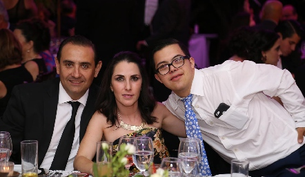 Esteban Puente, Cecilia Cuesta y Héctor de la Rosa.