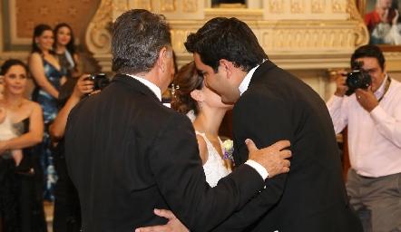 José Alberto Meade entregando a su hija Ana Paty.