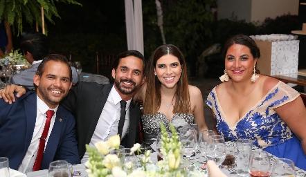 Guillermo Herrera, Rodrigo Herrera, Camila Díaz y Fer.