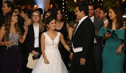 Los recién casados Ana Paty y Rodrigo.