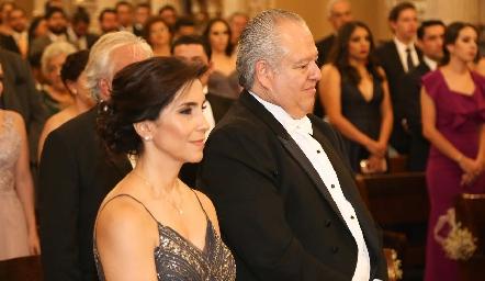 Elisa Martínez y FulvioPoumian, papás del novio.