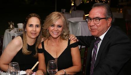 Claudia Cohen, Guadalupe Santos y Ramón Carranco.