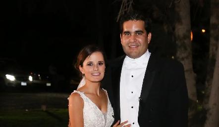Ana Paty Meade y Rodrigo Poumian ya son esposos.