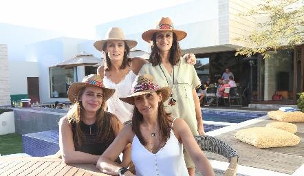 Claudia Artolózaga, Mónica Galarza, Meritchell Galarza y Cristina Villalobos.