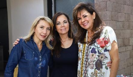 Celina Gallegos, Elsa Tamez y Elia Padilla.