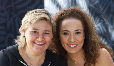 Aurora García y Lorena Herrera.
