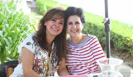 Elia Padilla y Martha Eugui.