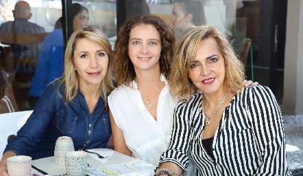 Celina Gallegos, Karina Navarro y Mimí Hinojosa.