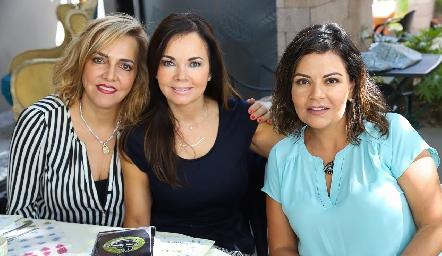 Mimí Hinojosa, Elsa Tamez y KikisFernández.
