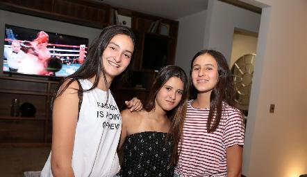 Lorenza Gárate, Isabela Navarro y Paulina González.