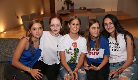 Lorenza Hinojosa, Ale Ocaña, Isa Galván, Lorena de la Garza y Lorenza Gárate.